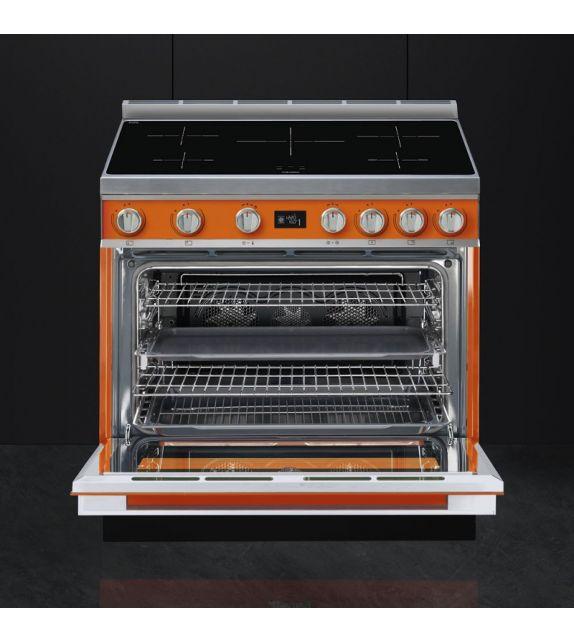 Smeg Cucina CPF9IPOR con piano cottura ad induzione finitura arancione da  90cm