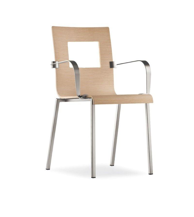 Pedrali sedia con braccioli kuadra contattaci per for Miglior prezzo sedie