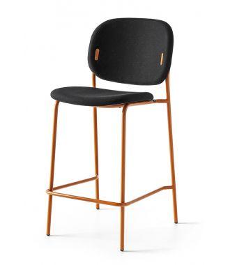 Connubia Sgabello Yo! CB1987-N con struttura in metallo e sedile in tessuto plain da h. 98 cm