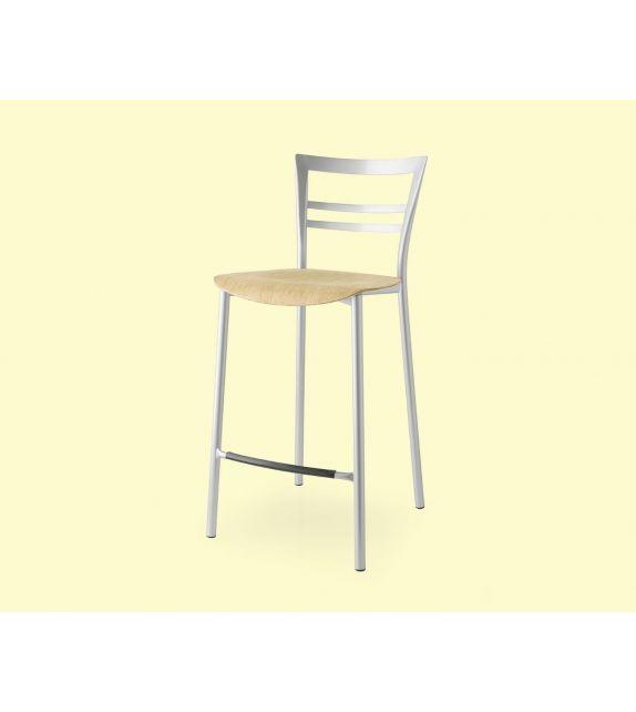 Connubia Sgabello Go! CB1689 con struttura in metallo e sedile in multistrato rovere da h. 94 cm