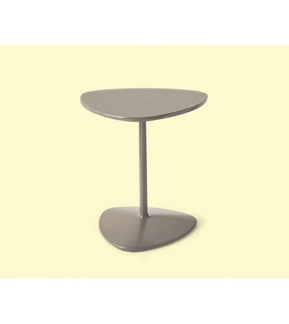 Connubia Tavolino triangolare Islands CB5061-A in metallo laccato da 40 cm e h. 42 cm
